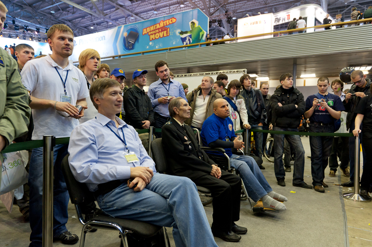 """""""From left to right: Myself, pilot A.F. Kalinichenko who is a veteran of WWII, and well known Russian fan of IL-2 sim."""""""