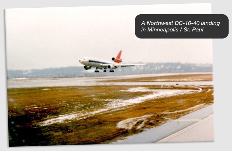 A Northwest DC-10-40 landing in Minneapolis / St. Paul