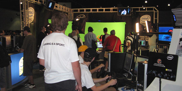 The green-screen for those who ventured onstage for a jump drive.