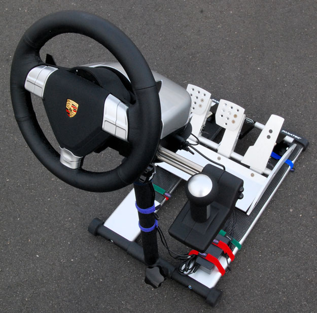SimHQ Review - The Fanatec Porsche 911 Turbo S Wheel and Clubsport