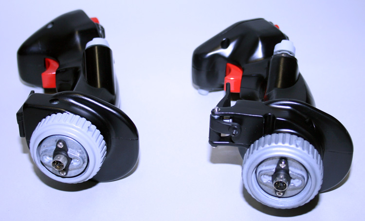 HOTAS Cougar (left) and HOTAS Warthog (right) handle-base connectors