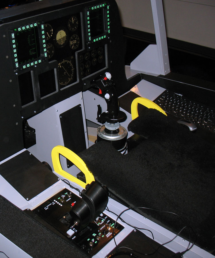 One of the pits used by the Virtual Thunderbirds during the premier event. Note the functional MFD buttons and throttle lighting.