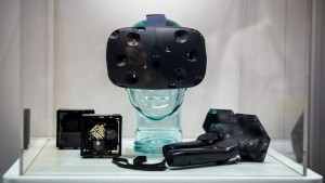GDC-2015-HTC-Vive-SteamVR-Announcement-Motion-Control